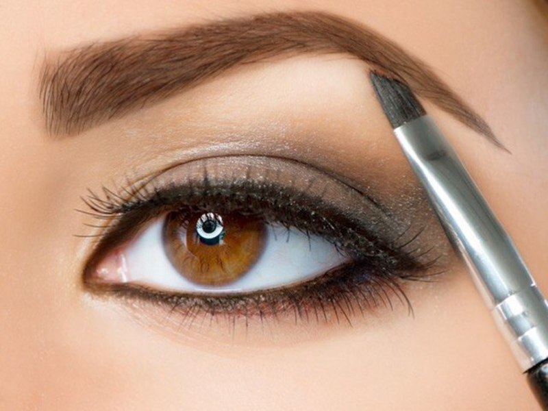 Как правильно красить брови тенями: пошаговые секреты