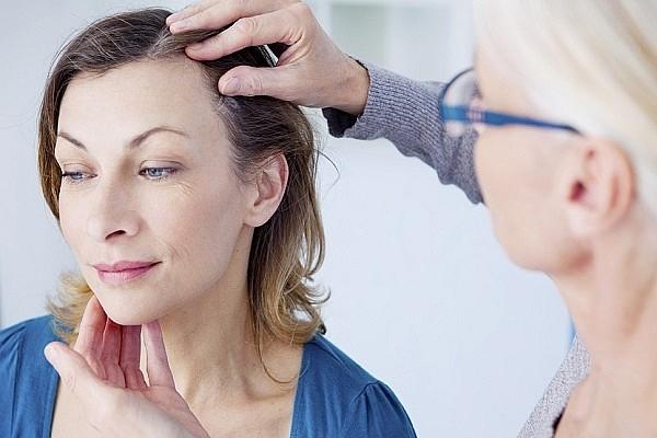 Как укрепить волосы от выпадения - у трихолога